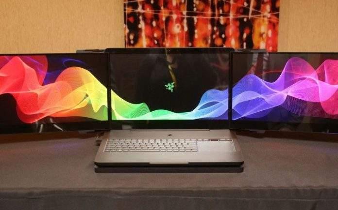 tri zaslona razeračunalo