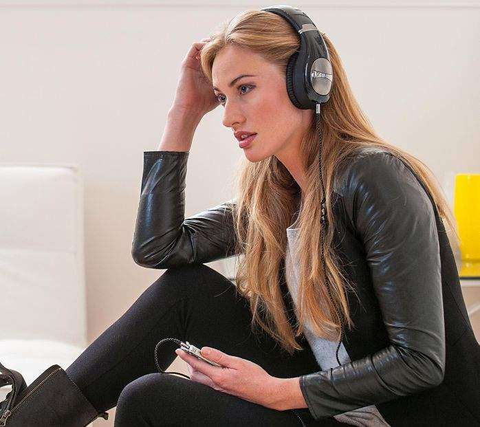 Preko ušne slušalice