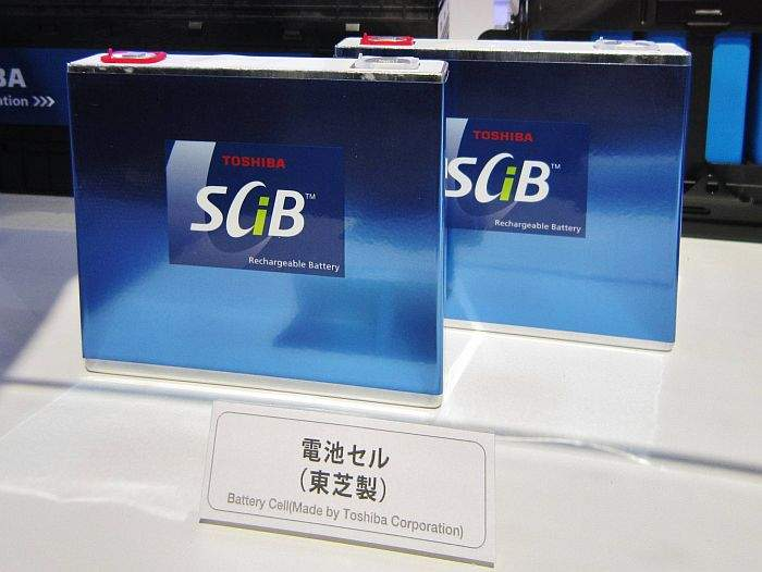 Toshiba_SCiB_cell_in_Tokyo_Motor_Show_2011