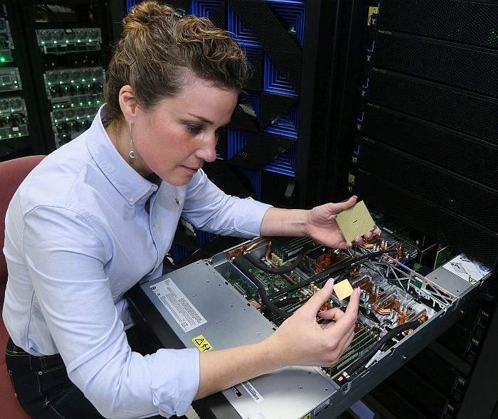 IBM Power System AC922 server