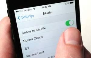 iPhone-shake-to-shuffle
