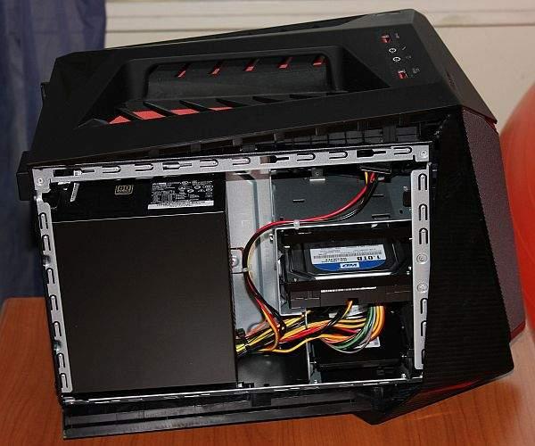 Lenovo IdeaCentre Y720 Cube hardever desna strana