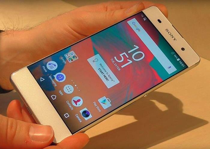 Sony Xperia XA zaslon