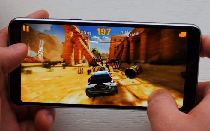 Samsung Galaxy A8 (2018) igranje igri
