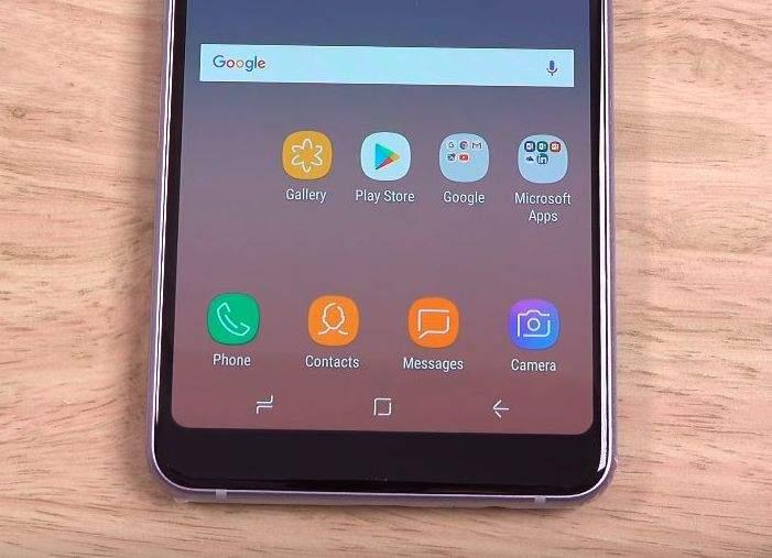 Samsung Galaxy A8 (2018) zaslon