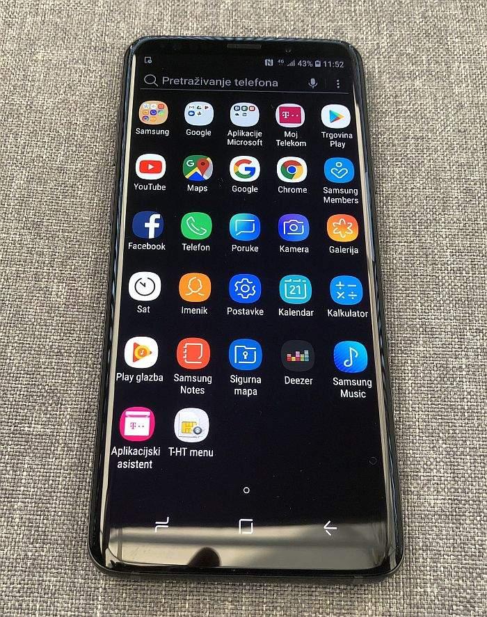samsung galaxy s9+ zaslon