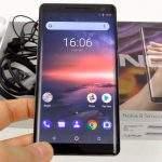 Nokia 8 Sirocco zaslon