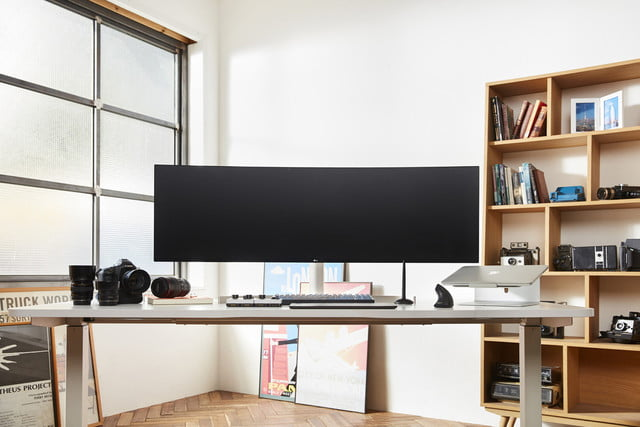 lg 49-inčni UltraWide monitor