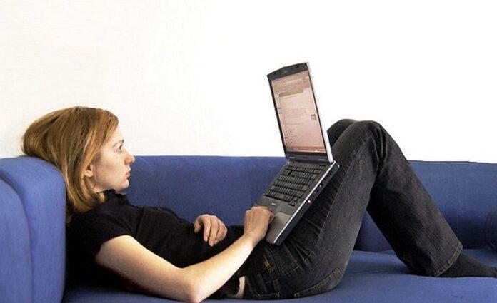 najbolji jefitini laptop