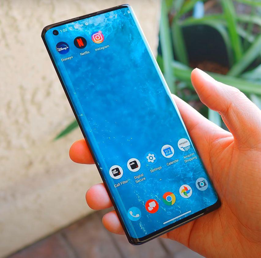Motorola Edge+ zaslon