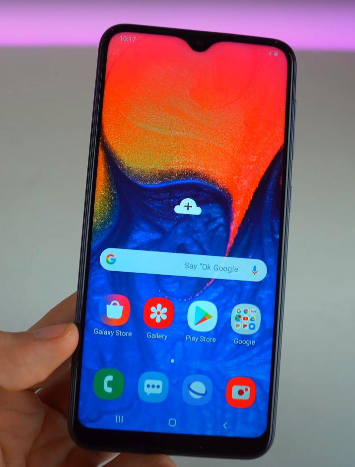 Galaxy A10 recenzija