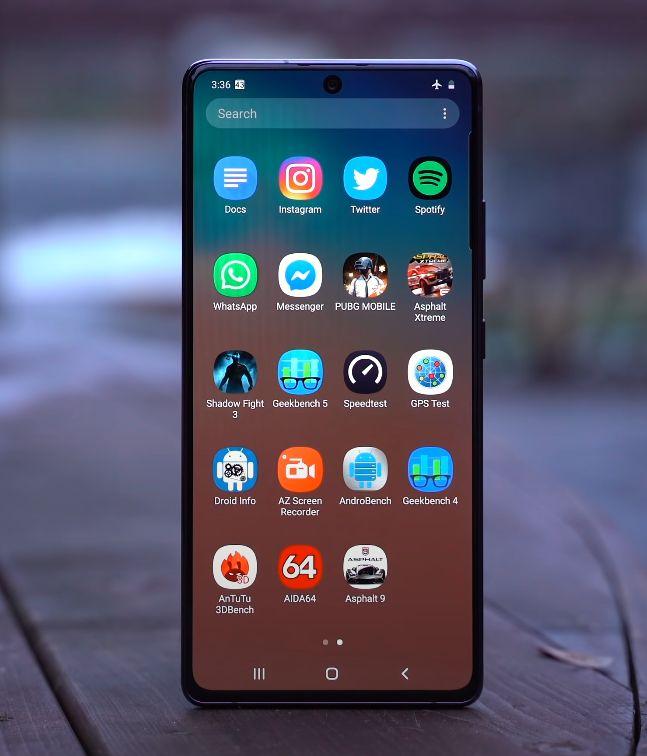 Samsung Galaxy S10 Lite zaslon