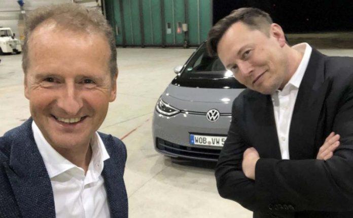 Elon-Musk-Hebert-Diess-Tesla-Volkswagen-001